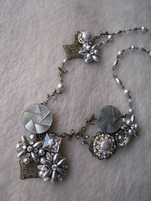 Beads435