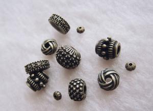 Beads702